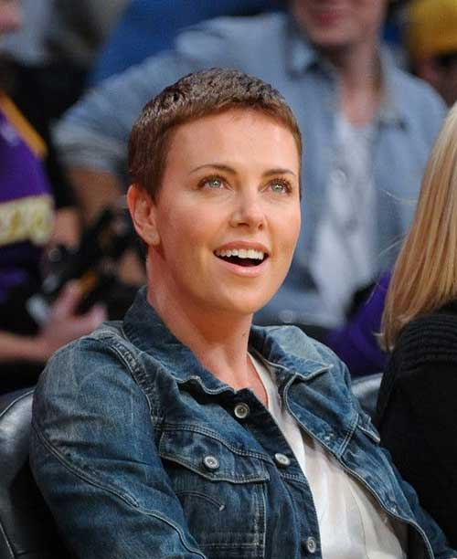 20 charlize theron pixie hair pixie cut 2015 charlize theron pixie hair 10 urmus Image collections