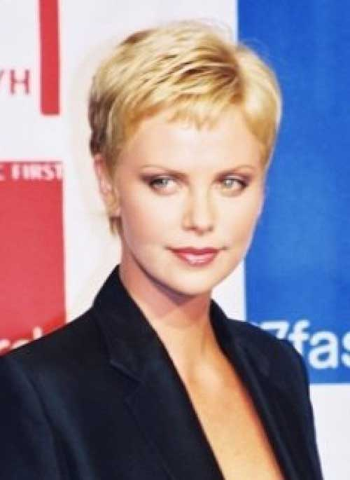 Charlize Theron Pixie Hair-19