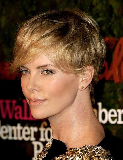 20 Charlize Theron Pixie Hair Pixie Cut 2015