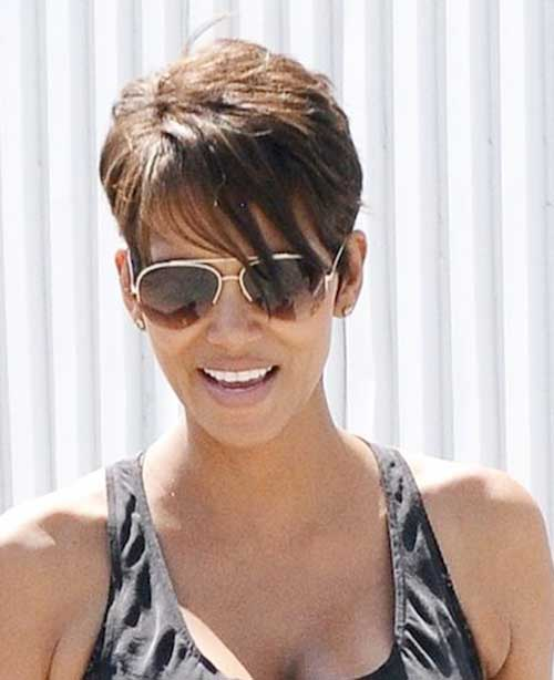 Pixie Haircuts with Bangs-16