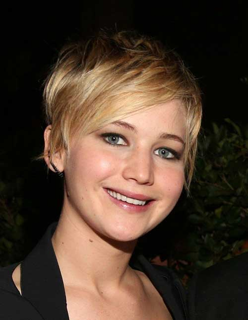 Pixie Cuts for Round Faces-20