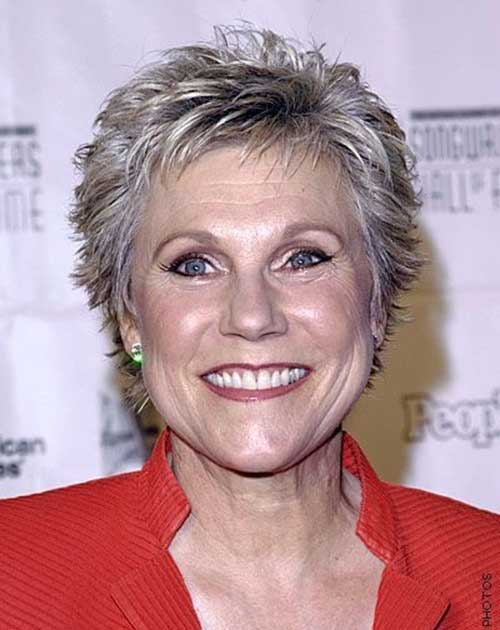 Short Pixie Haircuts for Gray Hair-9