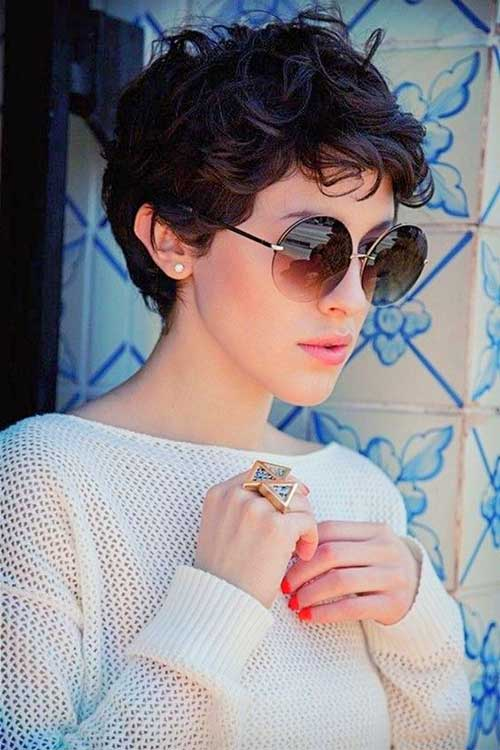 Pixie Cuts for Curly Hairs-11
