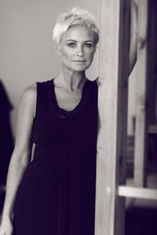 Pixie Haircuts for Older Ladies-11