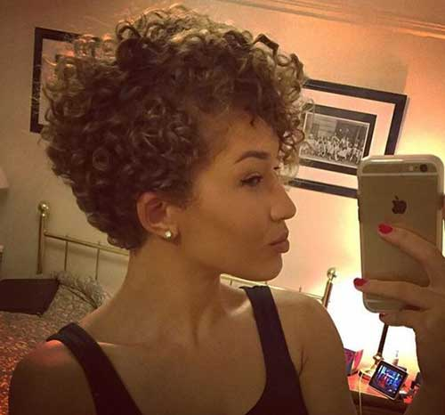 Pixie Cuts for Curly Hairs-12