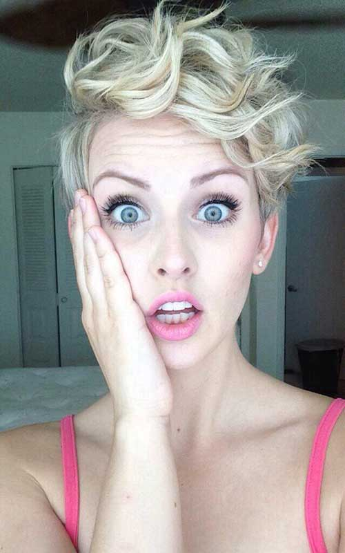 Pixie Cuts for Curly Hairs-15
