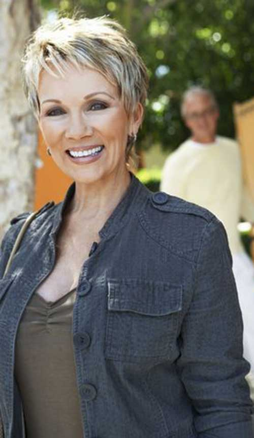 Pixie Haircuts for Older Ladies-17
