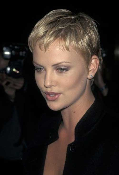 Charlize Theron Pixie Haircuts-22