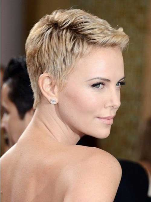 Charlize Theron Pixie Haircuts-25