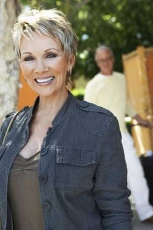 Pixie Haircuts for Older Ladies-27