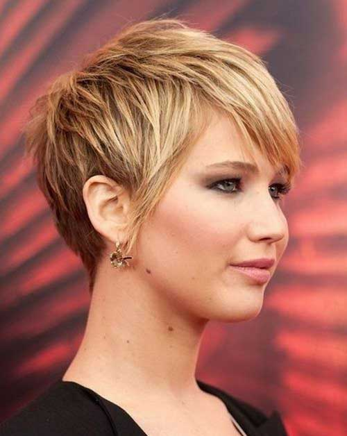 Pixie Haircut for Round Faces-6