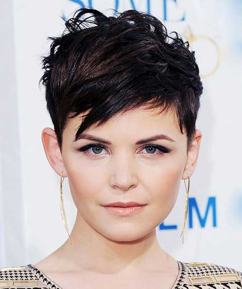 Pixie Haircut for Round Faces-9