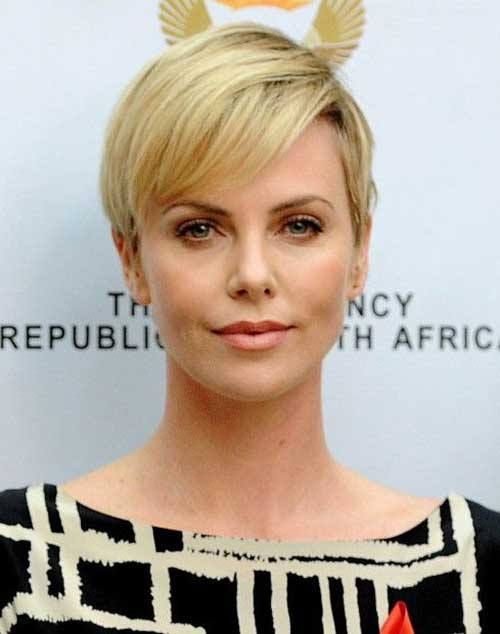 Charlize Theron Straight Pixie Hairstyle