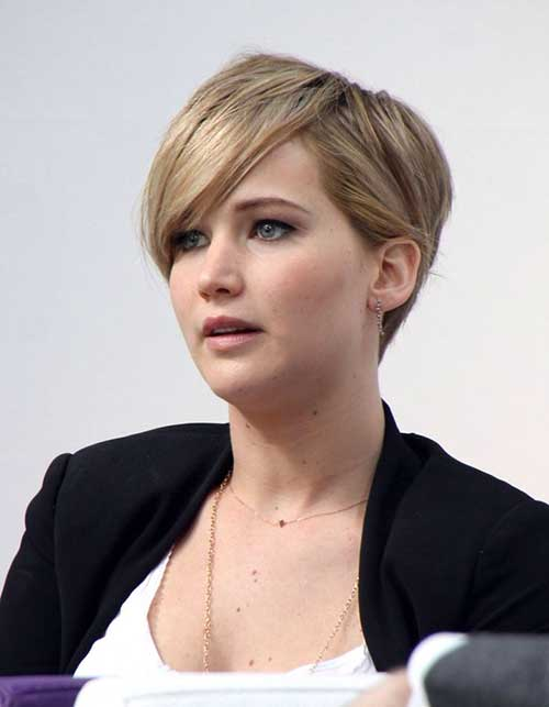 Chic Famous Pixie Haircuts