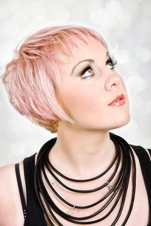 Soft Pink Pixie Cut Hairstyle