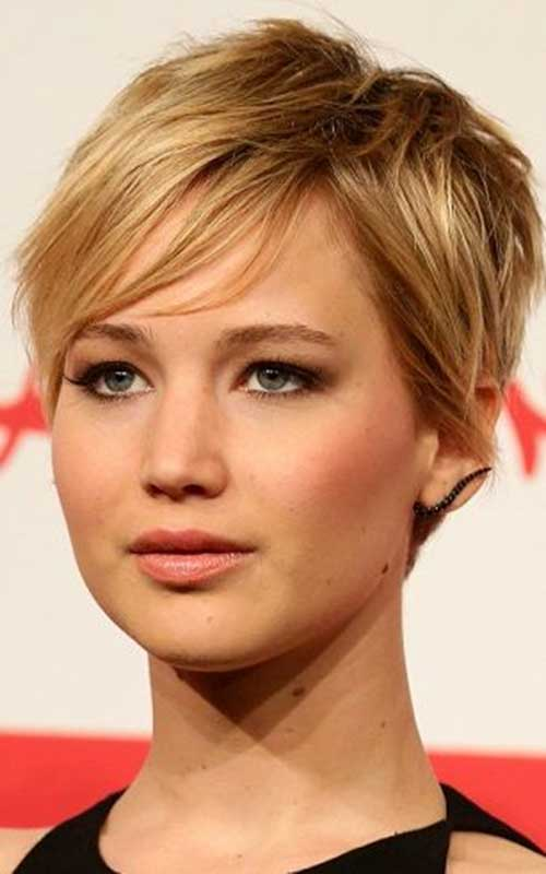 Tousled Straight Pixie Cuts
