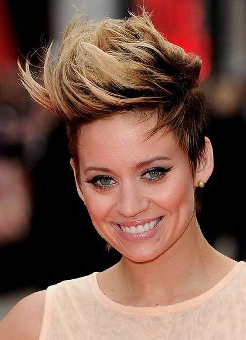 Pixie Cut Blonde with Dark Roots Ideas