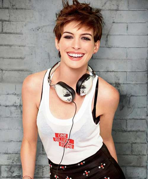 Anne Hathaway Messy Pixie Hairstyle