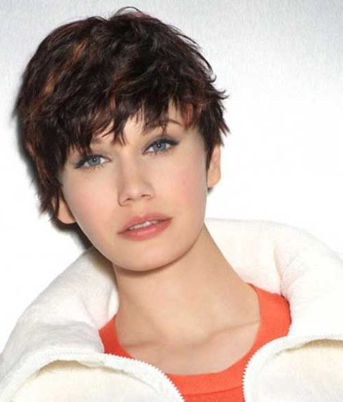 Short Hairstyles For Thick Wavy Hair And Oval Face : Pixie cut with bangs