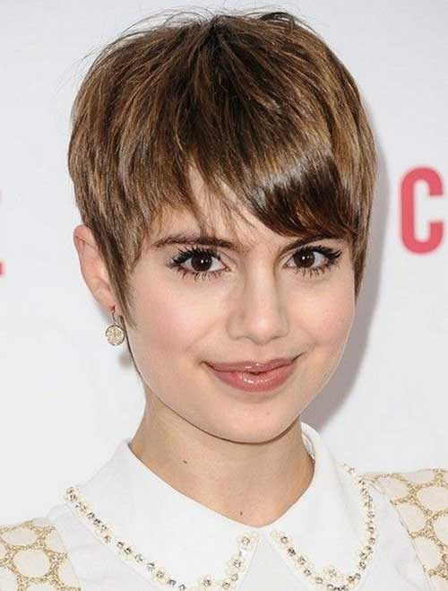 Straight Hair Pixie Cut for Round Faces
