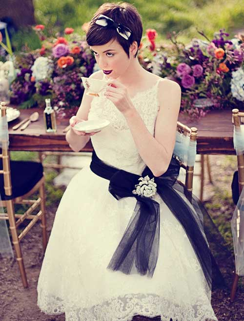 Dark Pixie Hair Bride