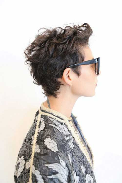 how to style a naturally curly pixie cut