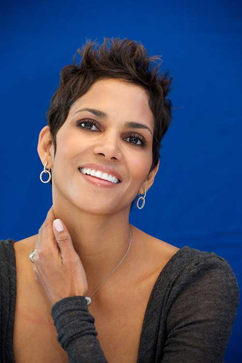 Halle Berry Classy Pixie Haircut Pictures