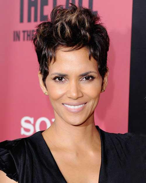 Halle Berry Highlighted Pixie Hair