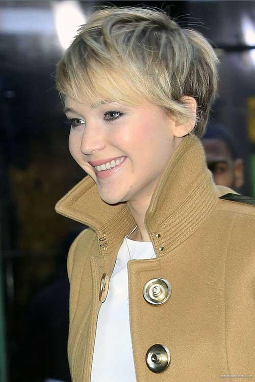 Jennifer Lawrence Stylish Pixie Hair Cut Style