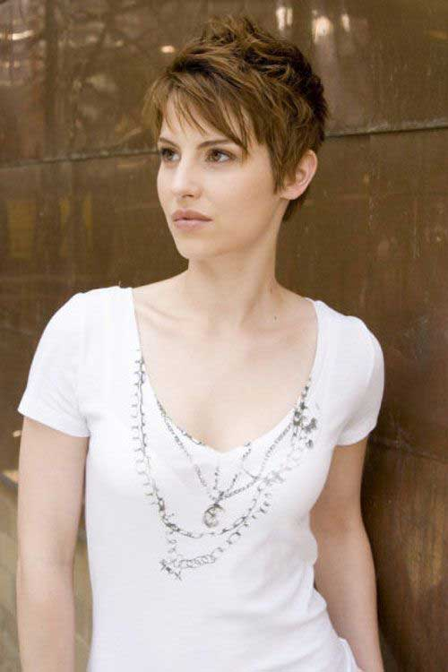 Best Medium Layered Pixie Cut