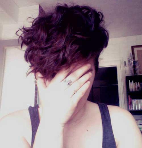Chic Pixie Cut Wavy Hair