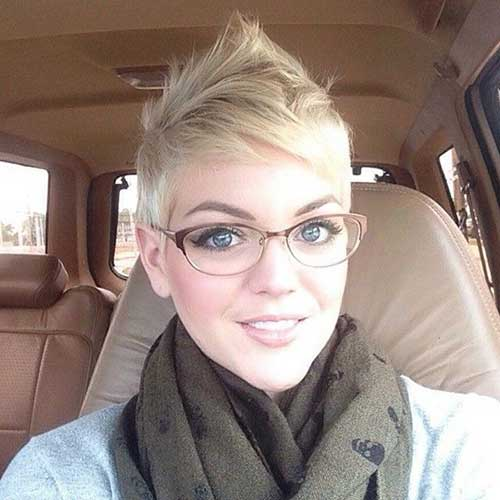 Simple Blonde Pixie Cut Styles