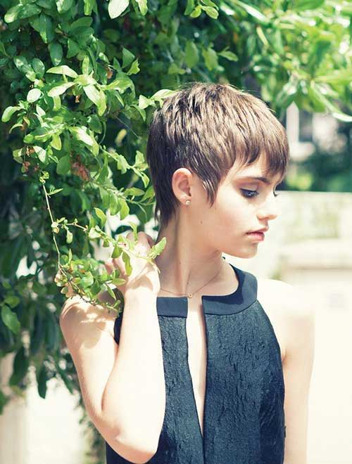 Simple Cropped Pixie Cuts