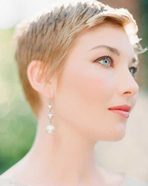 Pixie Haircut Pictures-10