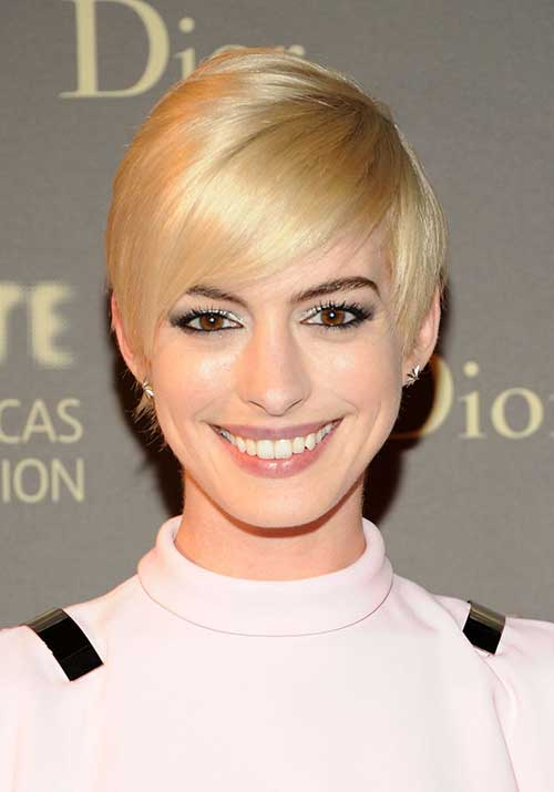 Celebrities with Pixie Haircuts-12