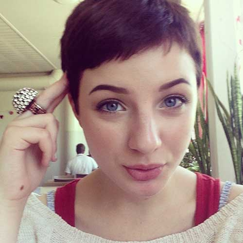 Short Pixie Hairstyles-22