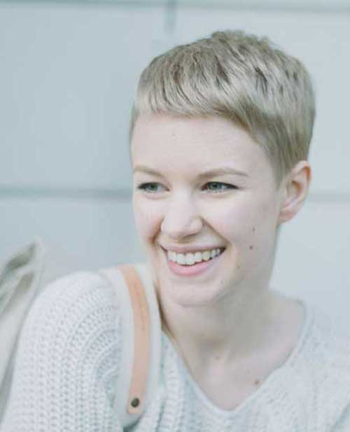 Spiky Pixie Cuts-26