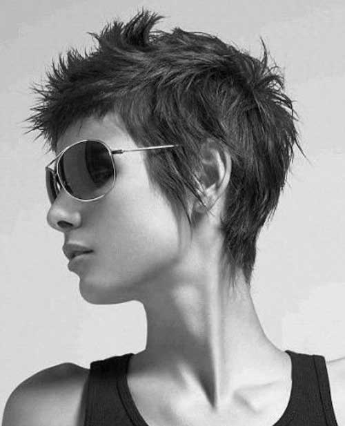 Edgy Pixie Cuts-13