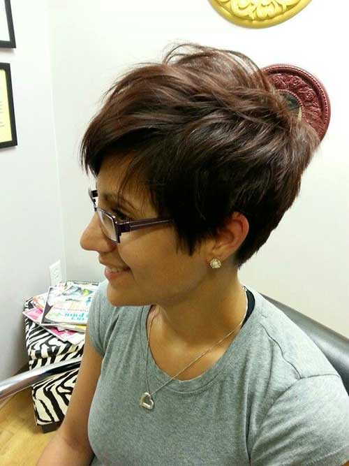 Pixie Haircuts with Bangs-15