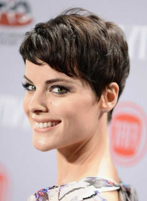 Pixie Haircuts with Bangs-20