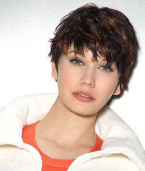 Pixie Haircut for Round Faces-10