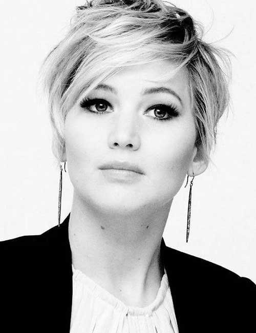 Pixie Haircut for Round Faces-13