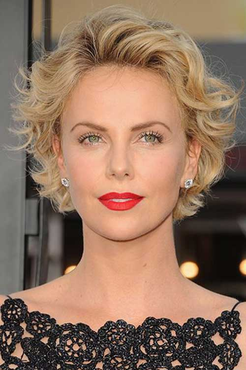 Charlize Theron Pixie Haircuts-15