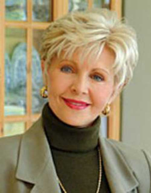 Pixie Haircuts for Older Ladies-16