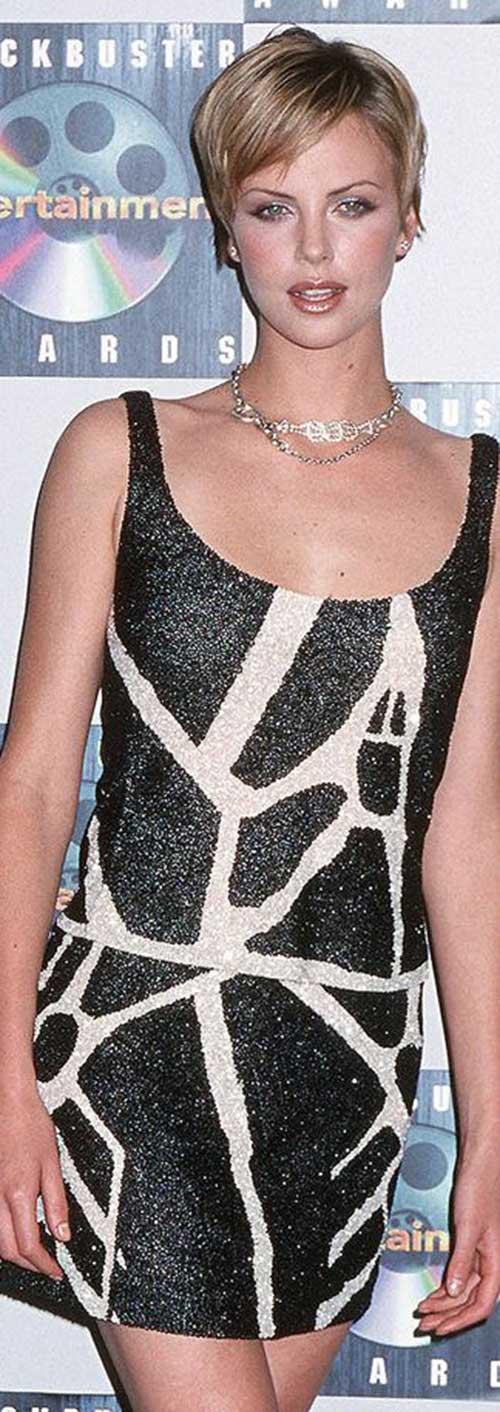 Charlize Theron Pixie Haircuts-17