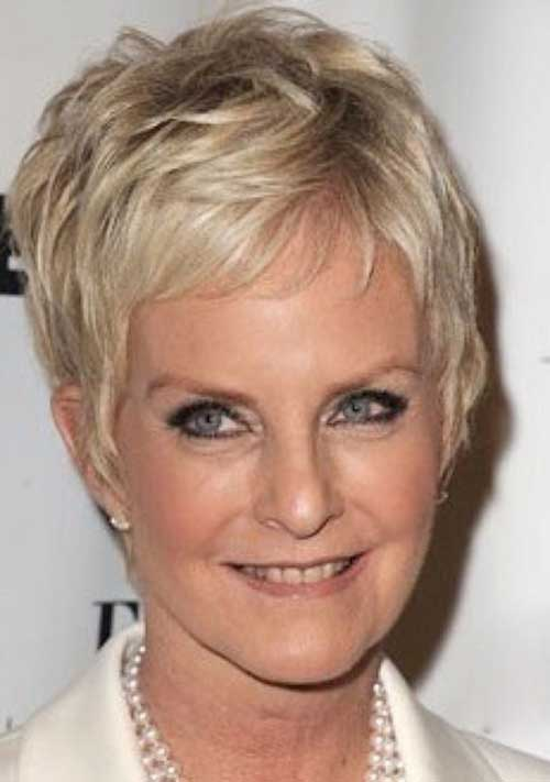 Pixie Haircuts for Older Ladies-18