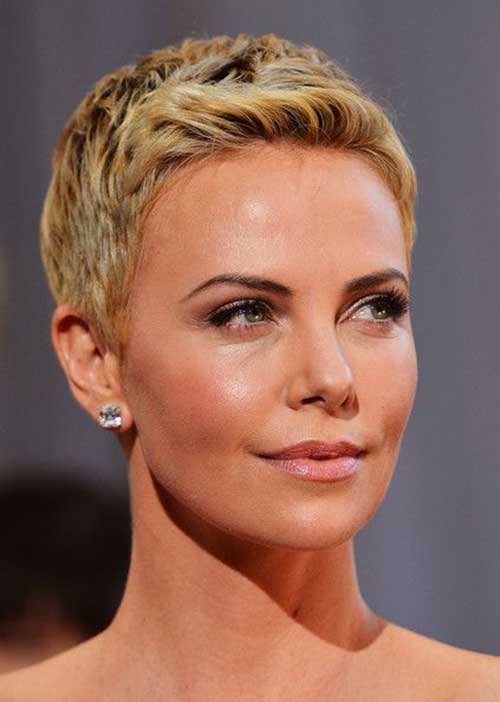 Charlize Theron Pixie Haircuts-19