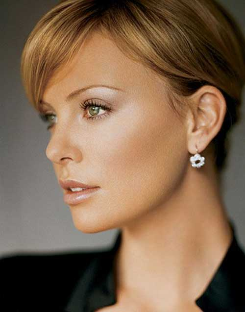 Charlize Theron Pixie Haircuts-20