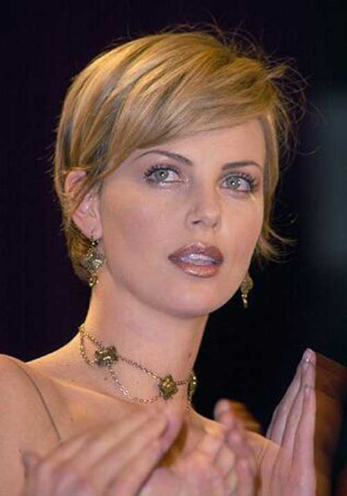 Charlize Theron Pixie Haircuts-23