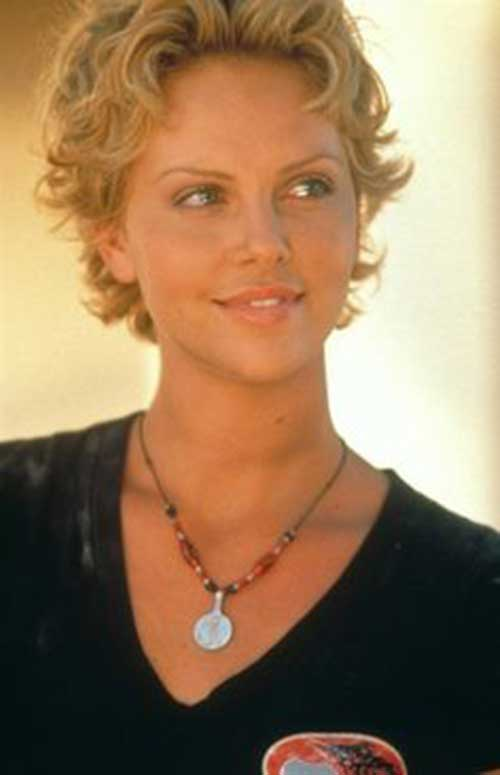 Charlize Theron Pixie Haircuts-6